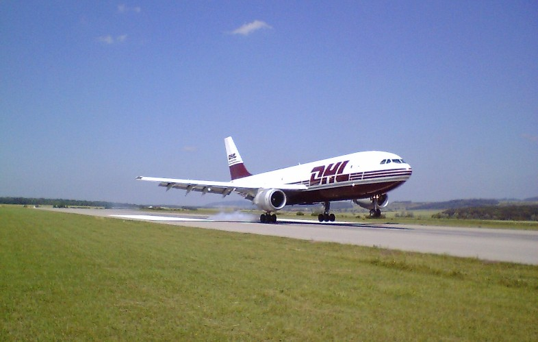 A300_EAT-DHL_a_atterrissage.jpg